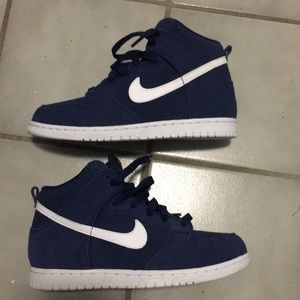 BRAND NEW without box Boys Sz 3y NAVY SUEDE NIKES